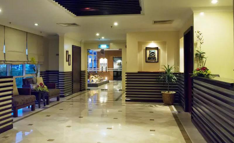 Ariva Gateway lobby