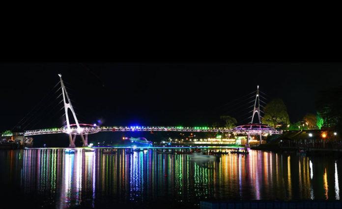 Darul Hana S Bridge Kuching - Photo by Pro Steve